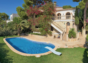 To rent. House in Portals Nous with sea views,