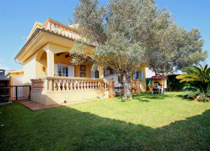 Detached house on a plot of 412 m2 approx.,